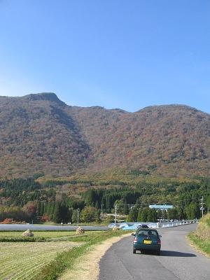 """""""豊後名山""""秋景(その3)・・・阿蘇野から眺める""""黒岳""""_c0001578_1323016.jpg"""