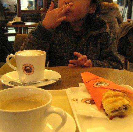 カフェに行ったよ_c0150923_17273670.jpg