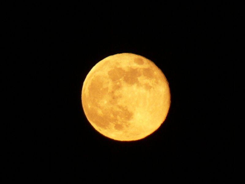 満月を撮影して思うことは。_c0059854_1091564.jpg