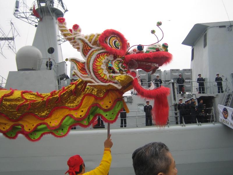 中国海軍の初訪日 東京晴海埠頭の写真 張景子撮影_d0027795_21534381.jpg