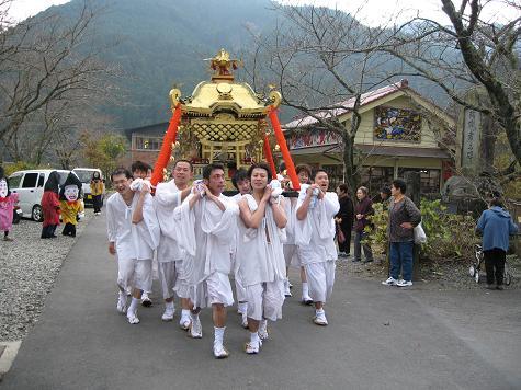 熊野神社秋の大祭_e0101917_7463642.jpg