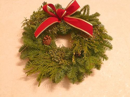 クリスマス アドヴェント の リース *。。*。:☆.。† _a0053662_1111583.jpg