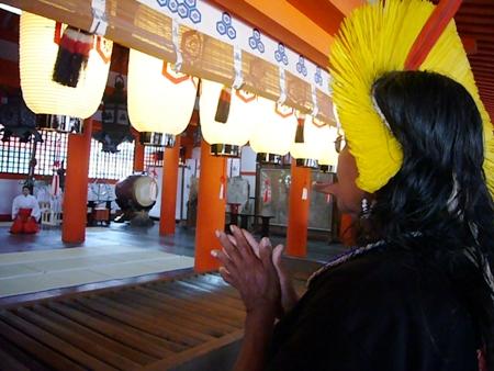 長老ラオー二、日本を行く  (7) 安芸の宮島へ_f0141559_1682.jpg