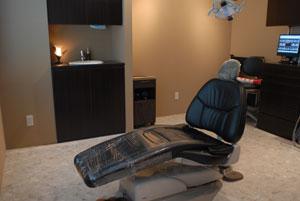 完全個室・完全予約制・ラバーダム防湿法・そしてマイクロスコープ/microscope 顕微鏡歯科治療の時代へ_e0004468_13104928.jpg