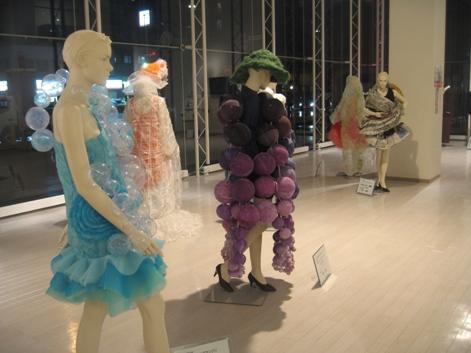 420)ポルト 「ファッションデザインコンテスト・入賞作品展+α」 11月25日(日)~12月2日(日) _f0126829_0203154.jpg