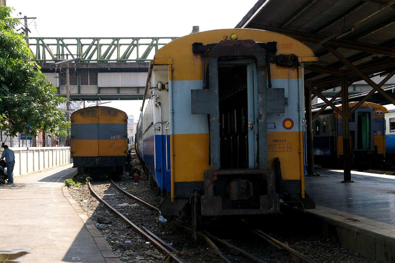 タイ - 7回目(その3)バンコク中央駅_b0069128_1385269.jpg