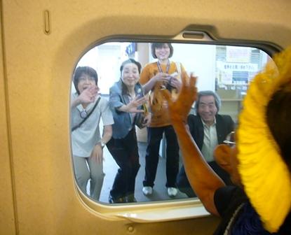 長老ラオー二、日本を行く(8)  まなざしの奥にあるものは_f0141559_5334728.jpg