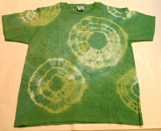 2007-43 染めと手描きサークルのTシャツ_e0104046_1523996.jpg