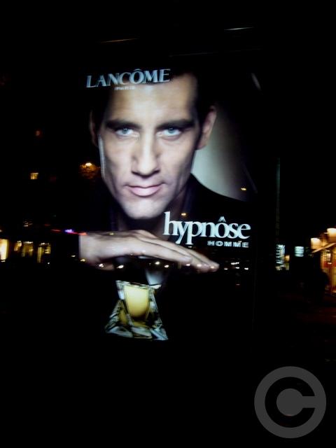 ■街角の広告(パリ)_a0008105_85241100.jpg