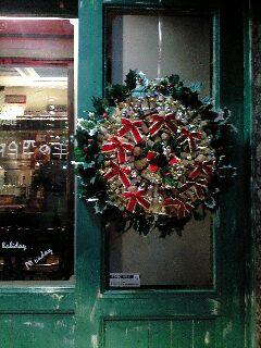 ワインコルクでクリスマスリース_e0092612_17471952.jpg
