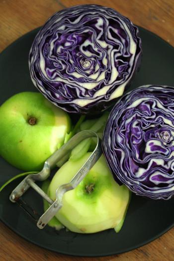 紫キャベツとりんご_b0117234_635125.jpg