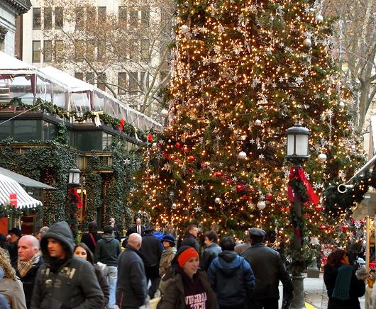 ブライアント・パークのクリスマスツリー 2007_b0007805_15251995.jpg
