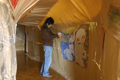 2007年12月5日(水) 「学校の中に洞窟があるなんて!」_a0062127_6485663.jpg