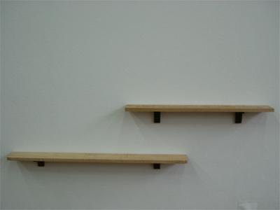 壁掛け飾り棚_e0115686_17452837.jpg