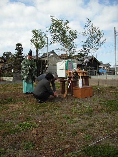 Nさんのいえ 地鎮祭・工事契約 2007/12/8_a0039934_18494261.jpg