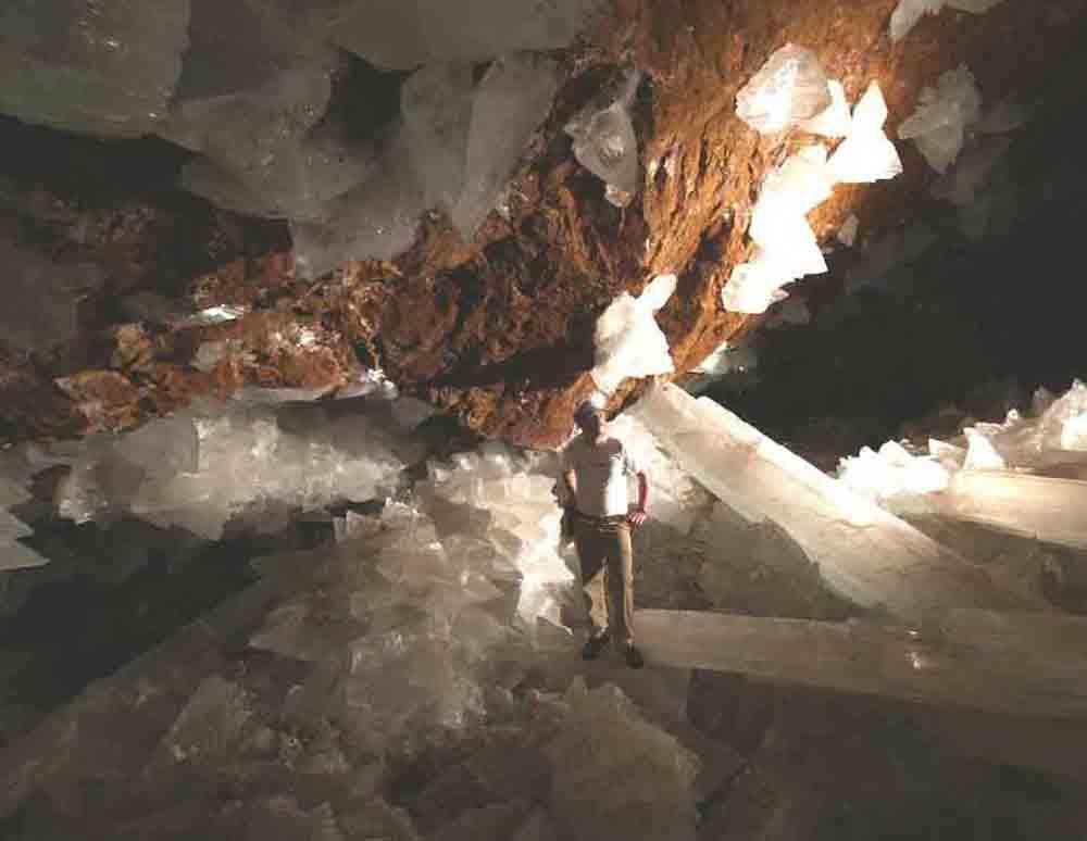 ★巨大水晶洞窟の写真(メキシコ・チワワ州ナイカ)(゚〇゚;)_a0028694_13473420.jpg