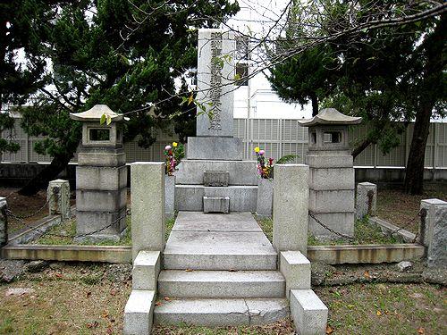 真田山陸軍墓地_f0139570_1915065.jpg