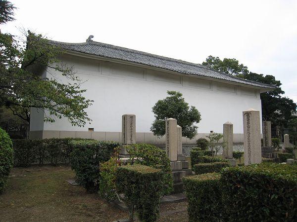 真田山陸軍墓地_f0139570_1935964.jpg