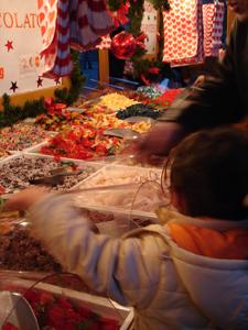 毎年恒例!サンタクローチェ広場のクリスマスマーケット_f0106597_21172280.jpg