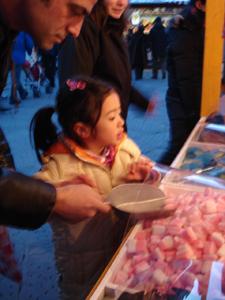 毎年恒例!サンタクローチェ広場のクリスマスマーケット_f0106597_2121065.jpg