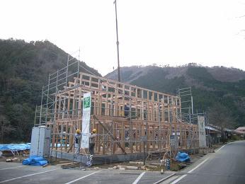 高津川流域の木でつくる町営住宅_d0087595_1841576.jpg