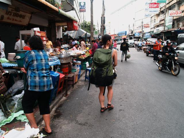 タイの風景 やれやれのバンコク到着_f0024992_16281368.jpg