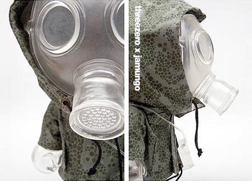 服を着た爆裂人形、インビジブルマスク・バッド君。_a0077842_20454725.jpg