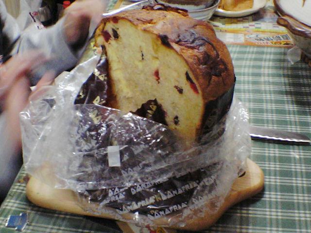 南米ペルーのパンか?又はお菓子か?-パネトーネ-_b0068605_942566.jpg