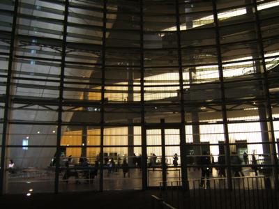 夜の美術館_c0004024_14324870.jpg