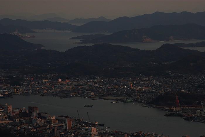 鳴滝山から望む瀬戸内海_c0152379_2049537.jpg