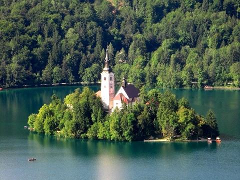 3日目(8/24):スロヴェニア アルプスの瞳「ブレッド湖」(3) ブレッド城_a0039199_20573889.jpg