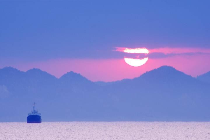 日の出がガスってる_c0152379_1812581.jpg