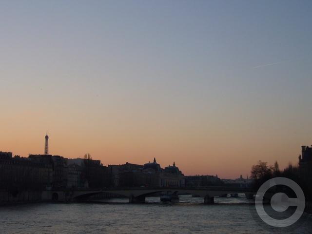 ■冬の芸術橋の上から(パリ)_a0008105_5444548.jpg