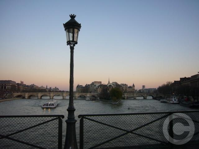 ■冬の芸術橋の上から(パリ)_a0008105_5453221.jpg
