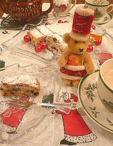クリスマス の お菓子ⅰ☆ ミニマリアのシュトレン。。。♪*。.☆*:.。.☆*†_a0053662_172615.jpg