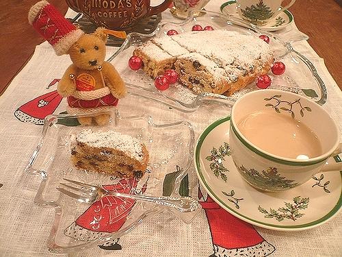クリスマス の お菓子ⅰ☆ ミニマリアのシュトレン。。。♪*。.☆*:.。.☆*†_a0053662_175451.jpg