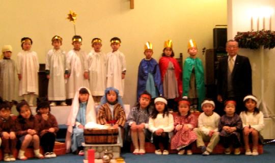 幼稚園 クリスマス礼拝♪素敵なミュージカルでした♪_c0009275_22323498.jpg