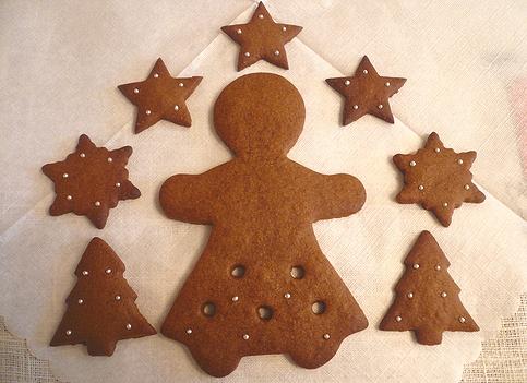 クリスマスのお菓子ⅱ ミニマリアのジンジャーマンクッキー。。。.☆*:.。.☆*†_a0053662_004995.jpg