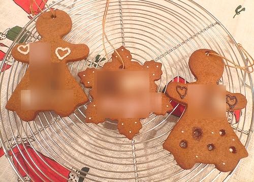 クリスマスのお菓子ⅱ ミニマリアのジンジャーマンクッキー。。。.☆*:.。.☆*†_a0053662_0494338.jpg