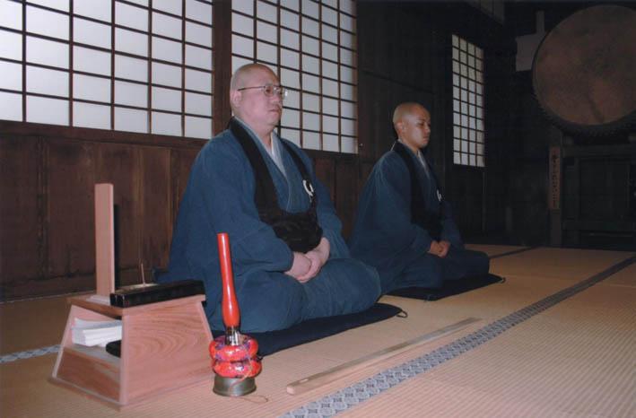 北鎌倉で坐禅三昧―目的は体と心を十分に使いこなすため―_c0014967_1974264.jpg