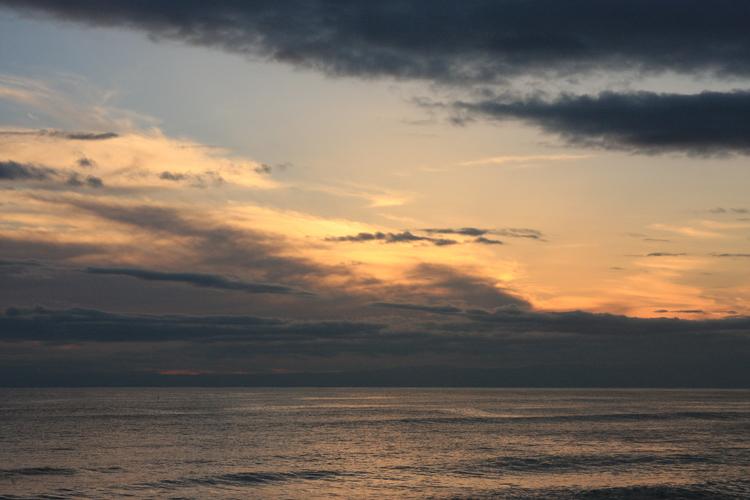 七里ヶ浜の夕景・12月23 日篇。3景。_b0022268_20554744.jpg