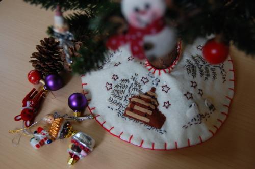 一昨年の手作りクリスマス・リース見つけた!_d0129786_1615740.jpg