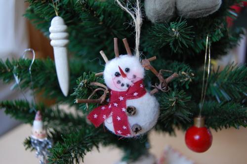 一昨年の手作りクリスマス・リース見つけた!_d0129786_16212282.jpg