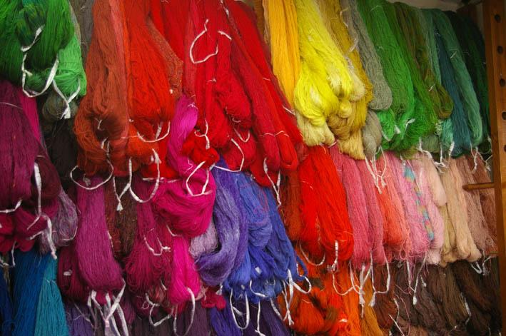 手織りの「織舎」:落ち着いた品の良さ、光る創り手のセンス_c0014967_1811690.jpg