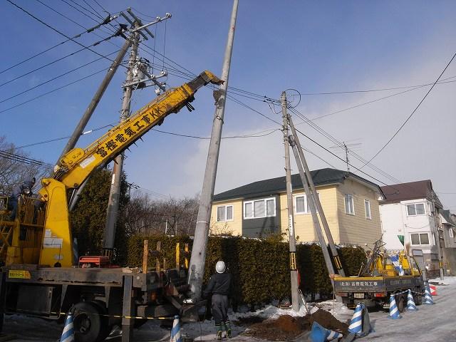 電柱工事_f0138096_16143720.jpg