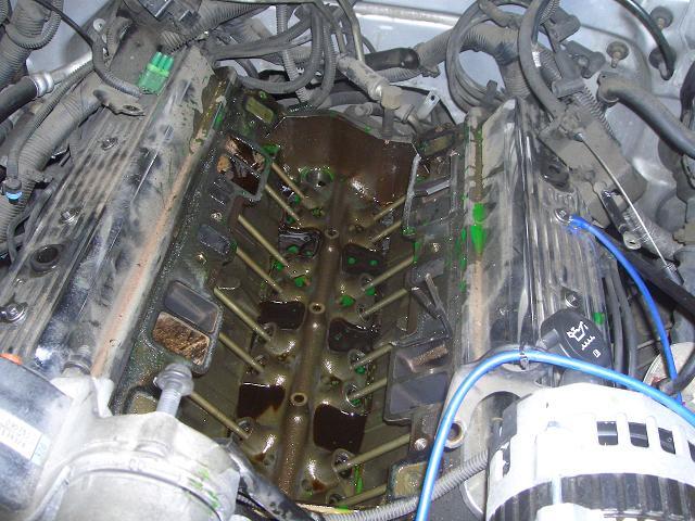 95y シボレー タホ クーラント漏れ 前偏_c0118011_0202667.jpg