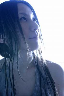 新居昭乃 LIVE 2008 Valentine\'s Day Special Live ~2月の庭~_e0025035_0315376.jpg