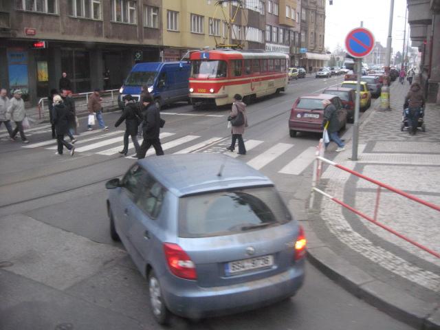 プラハの街角~バスの車窓から_d0101846_141920100.jpg