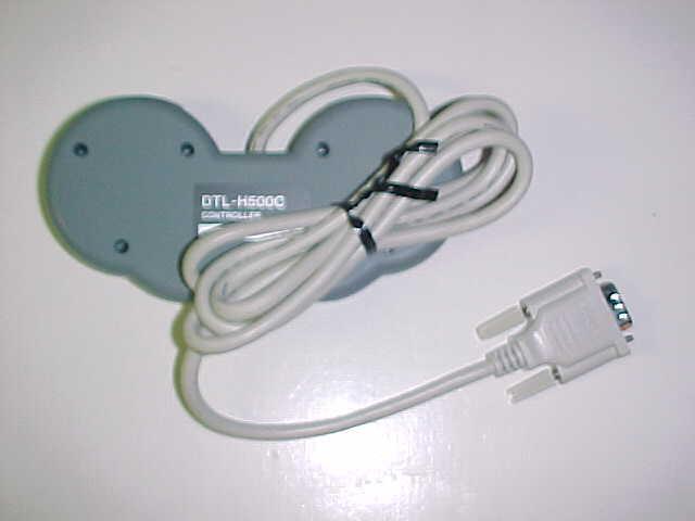 本物かしら? SNES-CD開発キット用、コントローラ。_c0004568_7503218.jpg