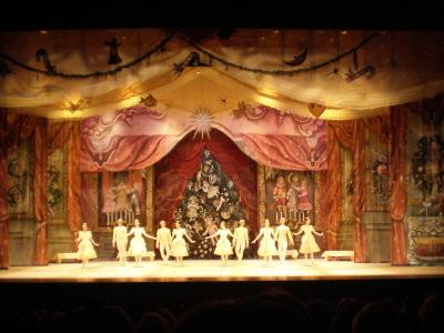 バレエ「くるみ割り人形」を観に行きました。モスクワ・クラシカル・バレエ_d0129786_1712911.jpg
